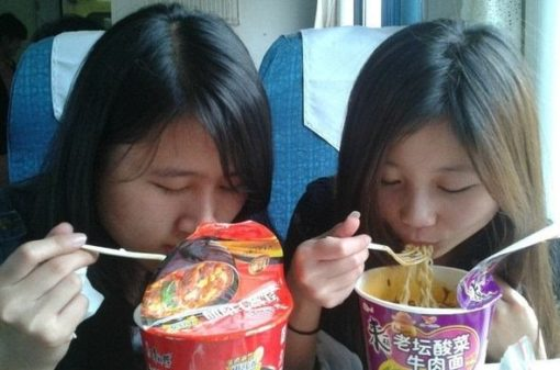 中国人とカップラーメン