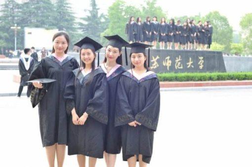 中国の大学の卒業写真撮影と卒業フリーマーケット
