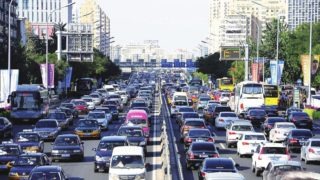中国は右側通行