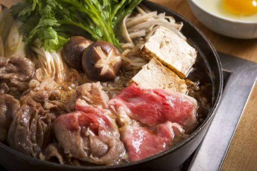 日本の家庭料理すき焼き